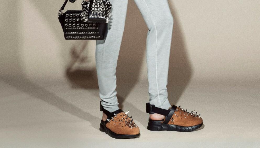NY VARIANT: Treskoen har fått nytt liv! Her er Givenchys variant for 2021. Foto: NTB