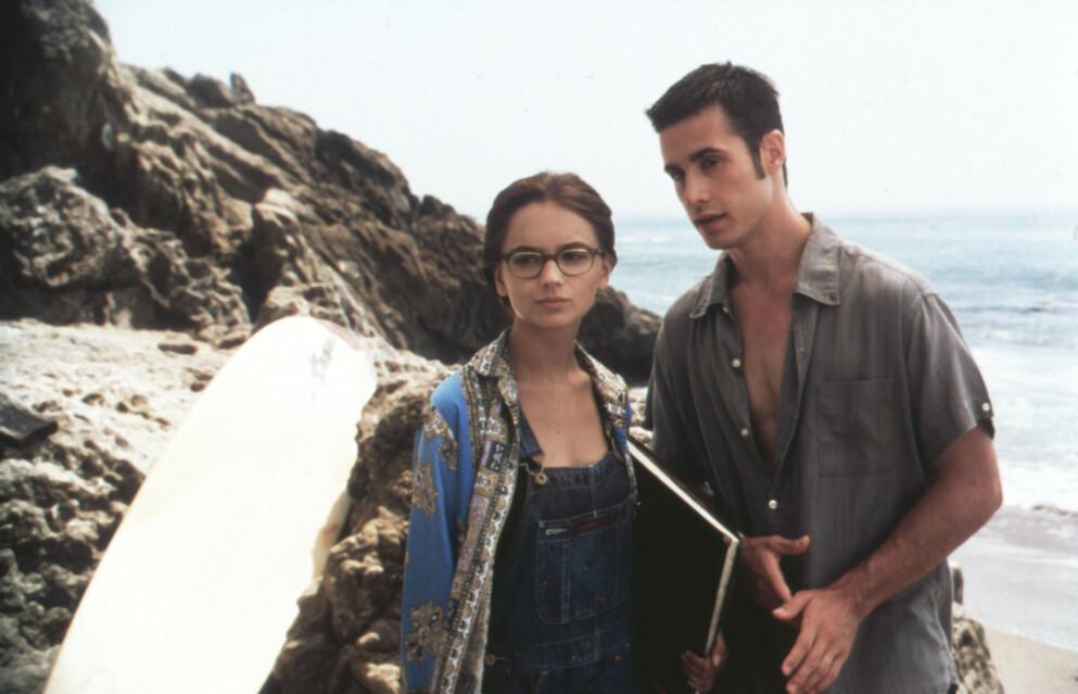 NOSTALGI: Rachael Leigh Cook som Laney Boggs og Freddie Prinz Jr. som Zack Siler i «She's All That» fra 1999. FOTO: NTB