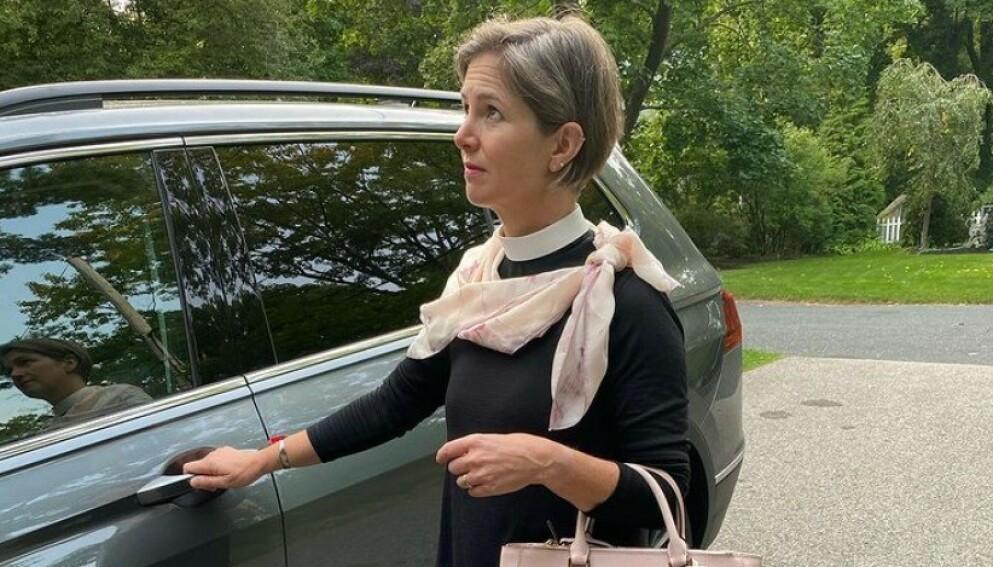 SARAH ROBBINS-COLE: Den amerikanske presten brukte samme kjole i 100 dager. Nå skal hun ha shoppestopp i 2021. Foto: Skjermdump fra Instagram