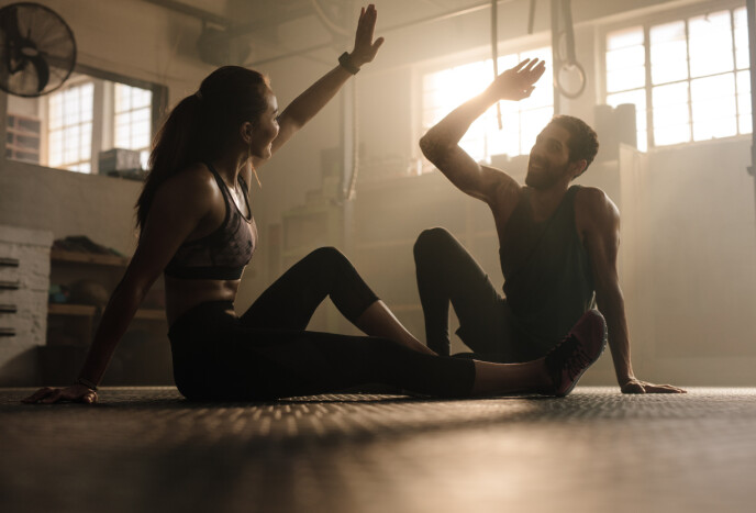 MOTIVASJON TIL Å TRENE: Kanskje er det å trene sammen med noen det du trenger for å motivere deg til å trene? Foto: NTB