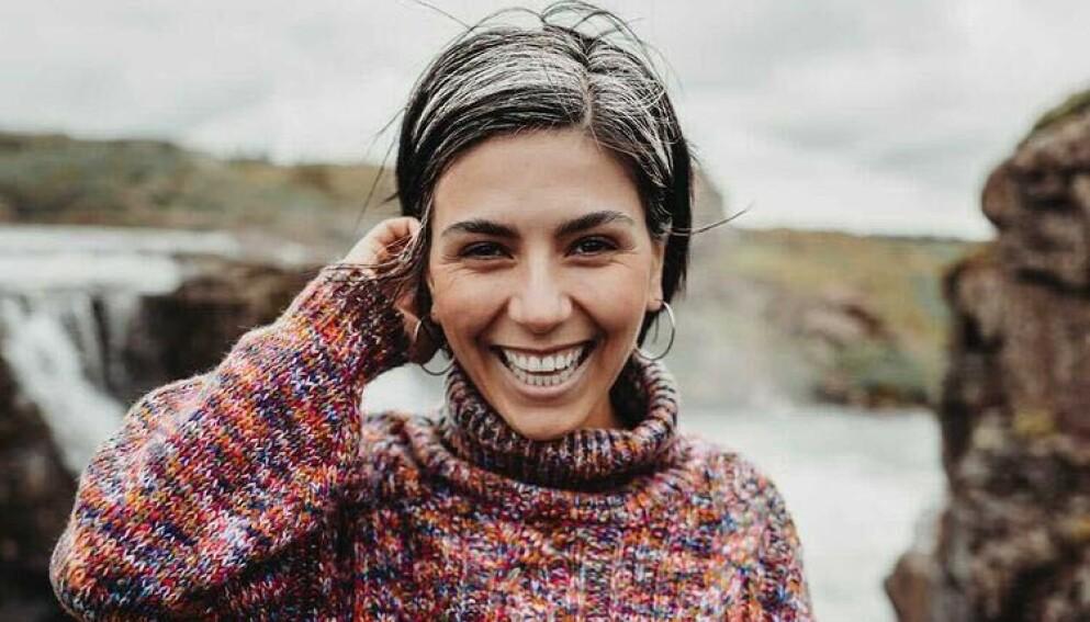 GROMBRE: Den tyske artisten Jaqueline Bergrós er blant dem som har latt sitt gråe hår vokse ut, Foto: Jaqueline Bergrós / brukt med tillatelse
