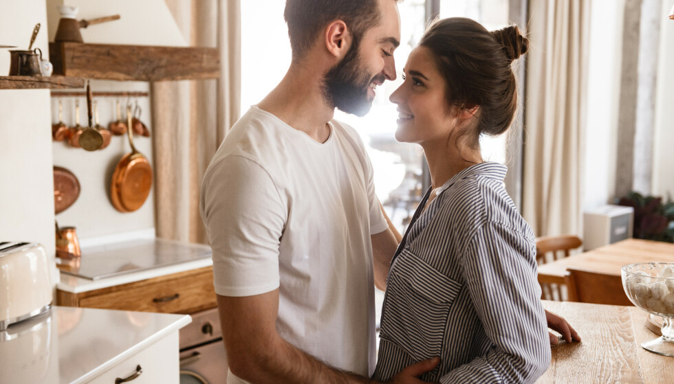 FORELSKELSE: - En forelskelse er usunn når den går fra å være en søt og ufarlig fascinasjon, til å bli noe altoppslukende. FOTO: NTB
