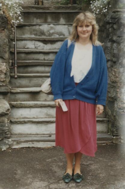 I 20-ÅRENE: Erna Solberg fotografert i Bergen på begynnelsen av 80-tallet. FOTO: Privat