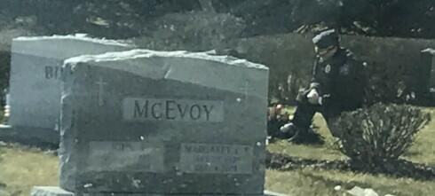 Bildet fra Biden-graven har gått viralt - ser du hvorfor?