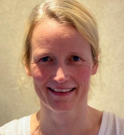 TRYGGE FØDSLER: Ifølge fødselslege Solveig Bjellmo er det mange gode grunner til å velge vaginal setefødsel fremfor keisersnitt. FOTO: Privat