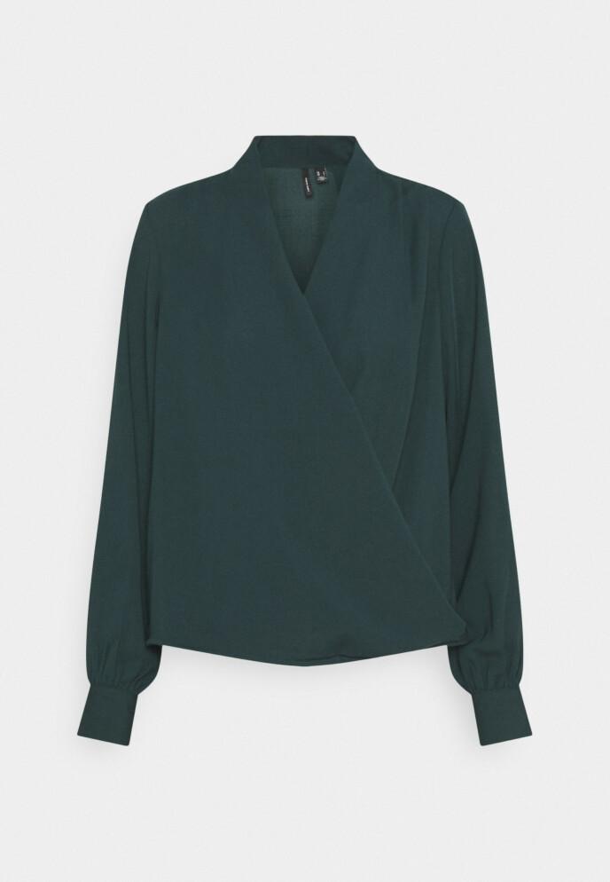Bluse (kr 250, Vero Moda).