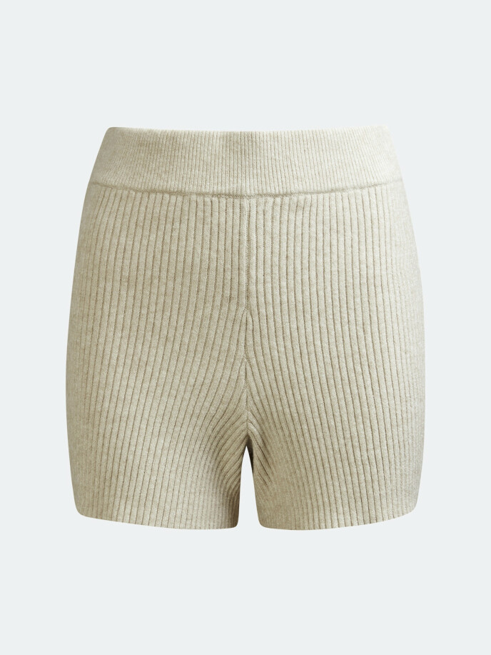 Strikket shorts (kr 260, Bik Bok).