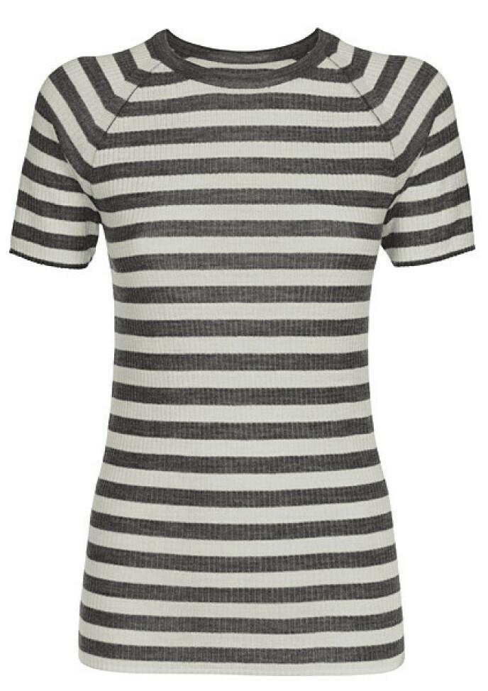 Stripete T-skjorte i ull (kr 400, Jenny Skavlan X Pierre Robert).