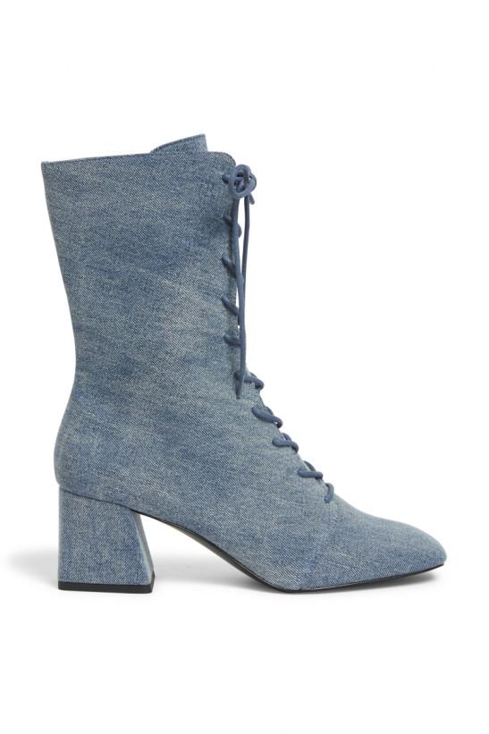Boots med snøring (kr 350, Monki).