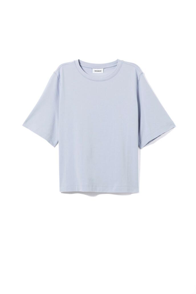 T-skjorte (kr 150, Weekday).