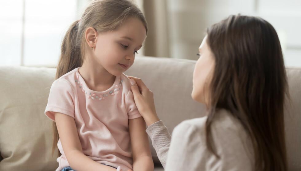 FORELDRE: - Hvis vi beundrer foreldrene våre og bruker dem som stimulans, enten det er bevisst eller ubevisst, kan vi begynne å kopiere dem, sier psykolog. FOTO: NTB