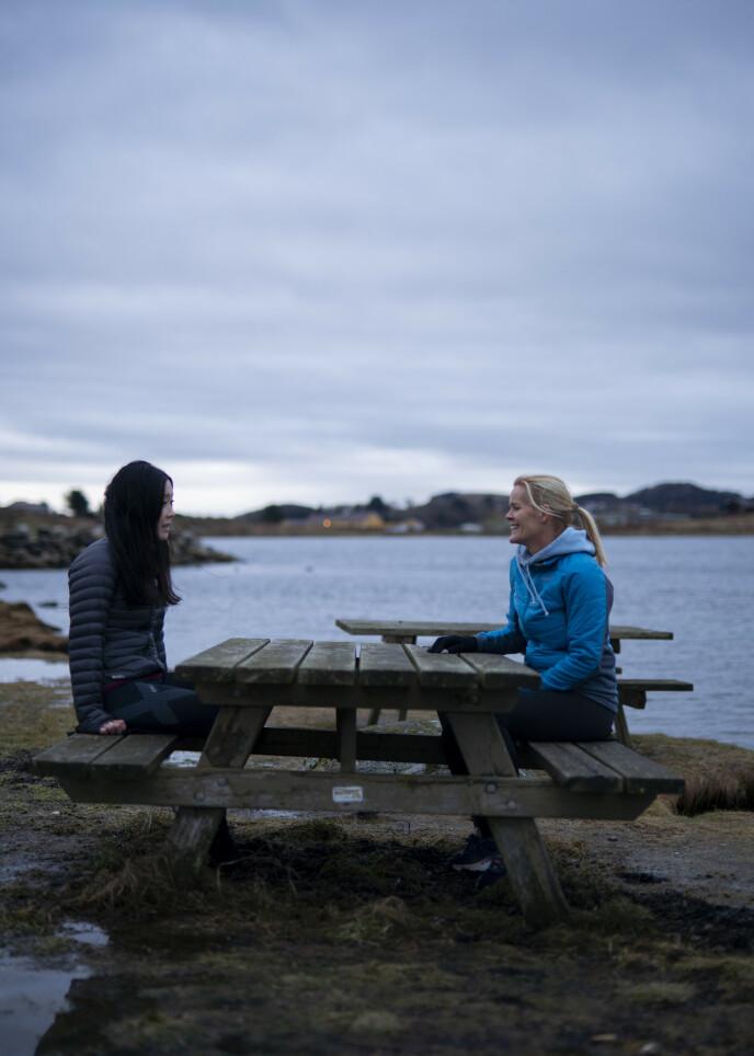 LØFT: Da Eileen møtte fysioterapeut Kjersti, fikk hun det løftet hun trengte. FOTO: Leo Kramer