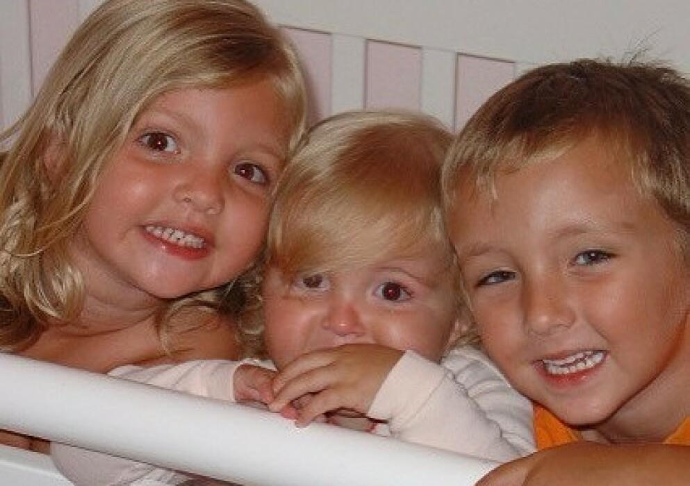 REVET VEKK: Disse smårollingene hadde hele livet foran seg – men det fikk de aldri å oppleve. I mai 2007 ble alle tre revet vekk da en annen sjåfør krasjet inn i bilen de satt i. FOTO: Instagram @loricoble