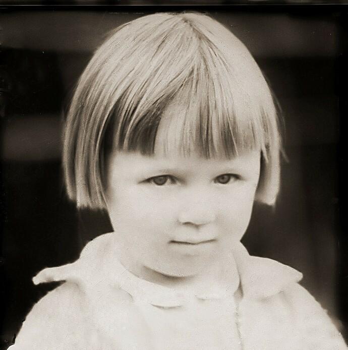NORSK OG SAMISK: Anne Lise som seksåring, på den tiden hun lærte seg norsk. FOTO: Privat