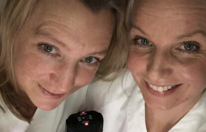 UTFORDRENDE SITUASJON: Jordmødrene Janicke Jordbakke og Jenny Jonsson er glade for at flere av tilbudene har kommet tilbake, som hjemmebesøk etter fødselen. FOTO: Privat