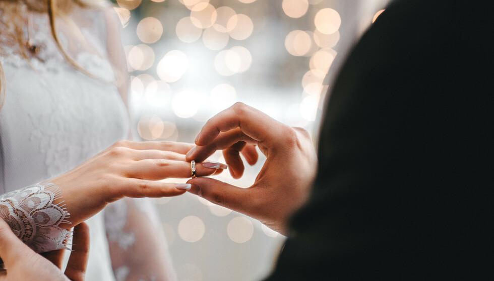 BLIR MINDRE VENNLIGE: Både ektemennene og konene ble mindre vennlige i løpet av studien, men denne nedadgående trenden merkes spesielt for konene.