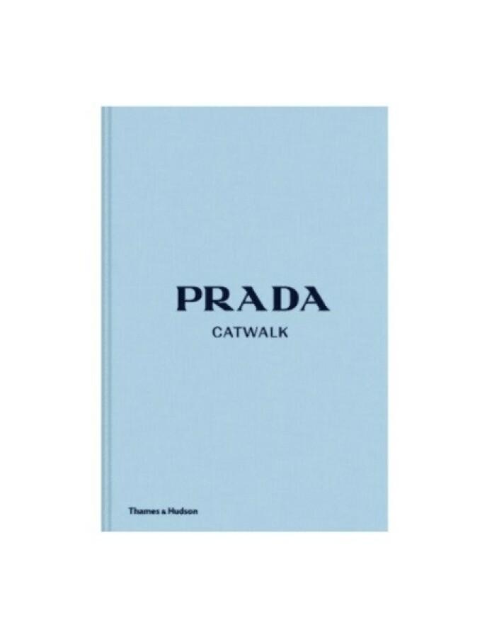 Prada-bok via Moniker.no, kr 899