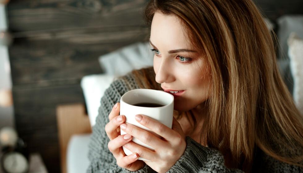 KAFFE: En studie kommer med en gladmelding til alle de som foretrekker mye kaffe i hverdagen! FOTO: NTB