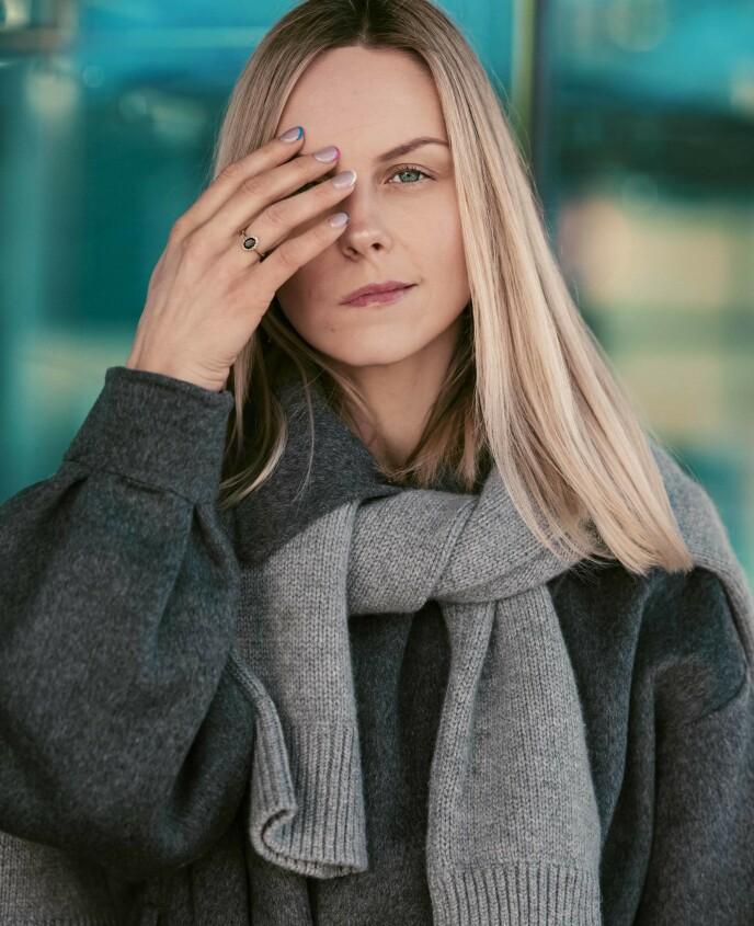 ÅPNE: - Det er på tide å stå frem og vise hele meg. Jeg vil eie mitt eget utseende, sier Austėja til KK. FOTO: Astrid Waller