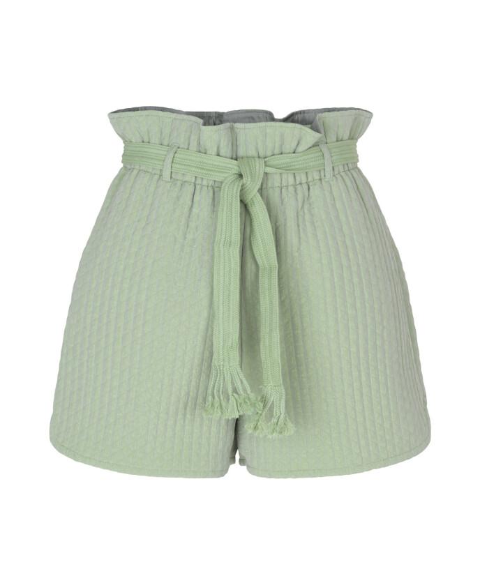 Shorts med knytebelte (kr 1300, Samsøe & Samsøe).
