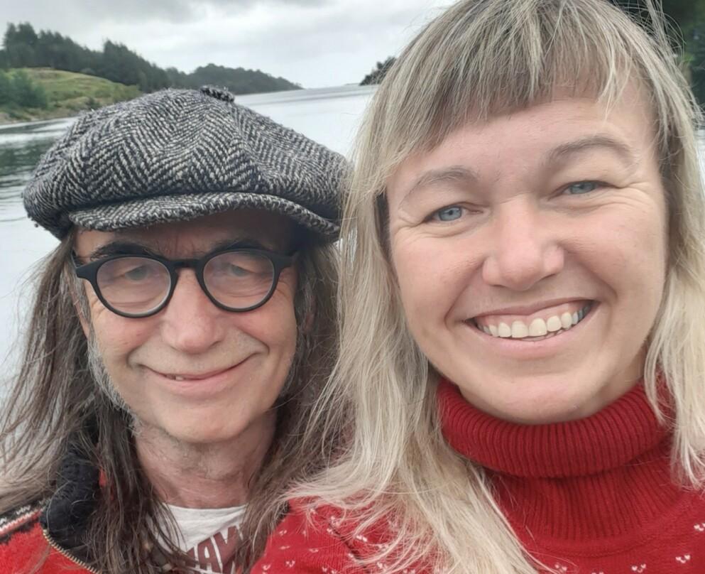 FORELSKET: Cecilie og Hans Petter sier det er mange som er overrasket over at de to skulle bli et par - det er de overhodet ikke overrasket over selv. FOTO: Privat