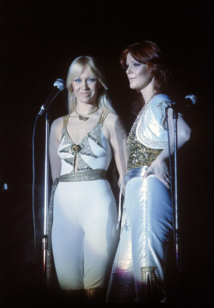VERDENSSTJERNER: ABBA sparte ikke på spandexen da de spilte i Ekeberghallen i 1977. FOTO: Oddvar Walle Jensen/NTB