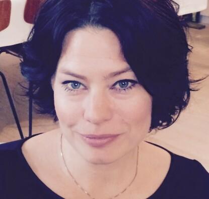 FORELDRE KAN HJELPE: Ifølge psykolog Line Indrevoll Stänicke bør foreldre hjelpe barna med å inkludere andre. FOTO: Privat