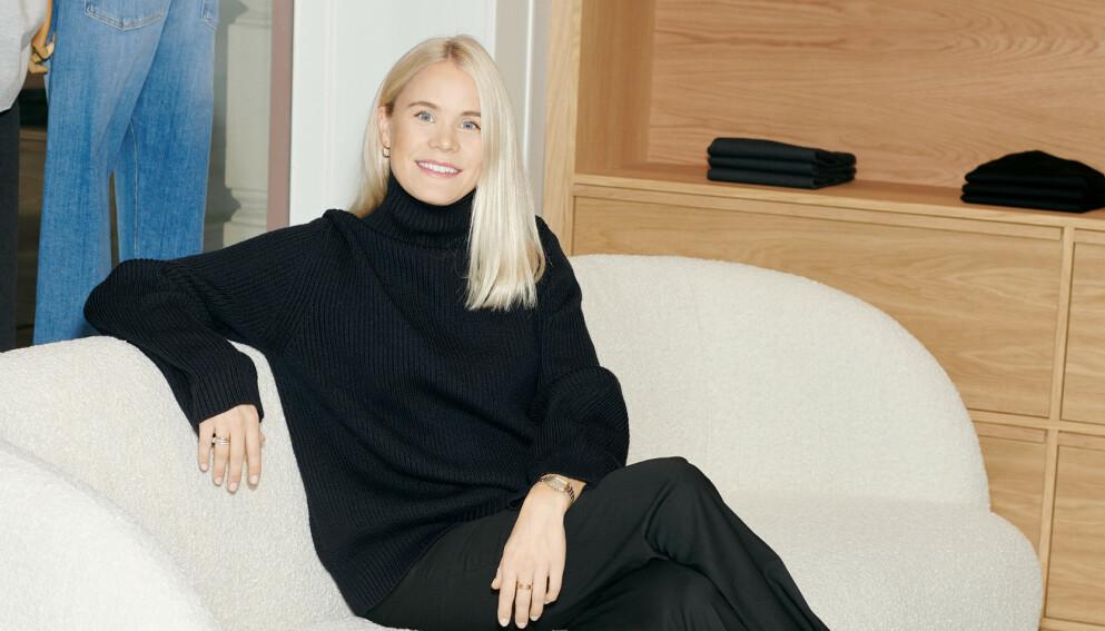 STARTET EGET MERKE: Julie Blystad sa opp jobben i PWC for å starte eget baseplaggmerke. Foto: Magnus Nordstrand