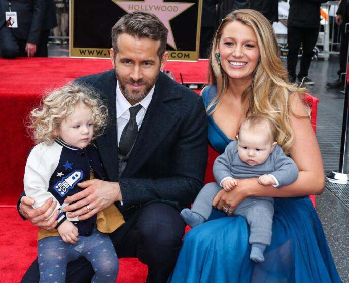 SÅ SØTE: Paret poserer sammen med barna James og Inez. Foto: NTB
