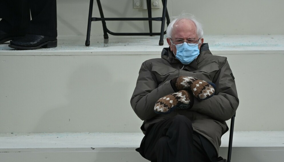 BERNIE SANDERS: Antrekket til president-kandidaten vekket oppsikt under innsettelsen til Joe Biden i januar. Foto: NTB