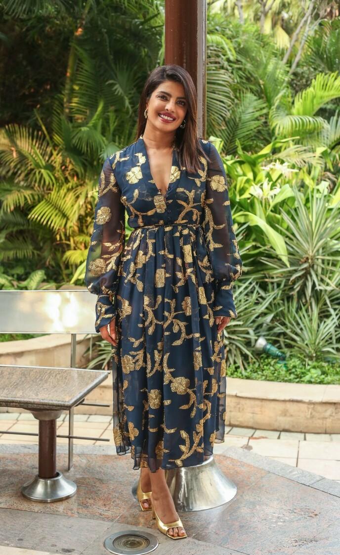 ÅPNER OPP: Priyanka Chopra forteller i sin nye bok om den brutale starten på skuespillerkarrieren. Foto: NTB