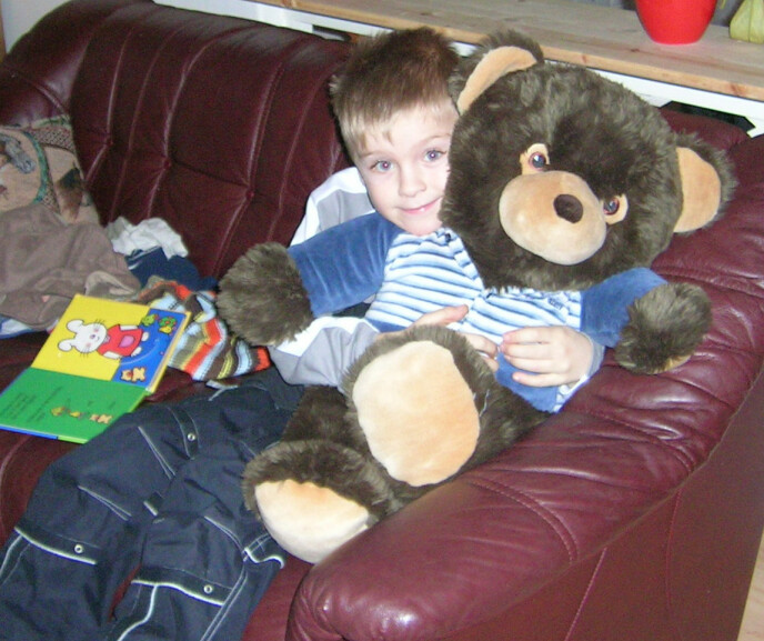 MISHANDLET TIL DØDE: Christoffer ble bare åtte år gammel. Stefaren ble fengslet i åtte år for mishandling med døden til følge. Moren ble dømt for passiv medvirkning. FOTO: Privat (gjengis med tillatelse fra mormor Ragnhild Gjerstad)