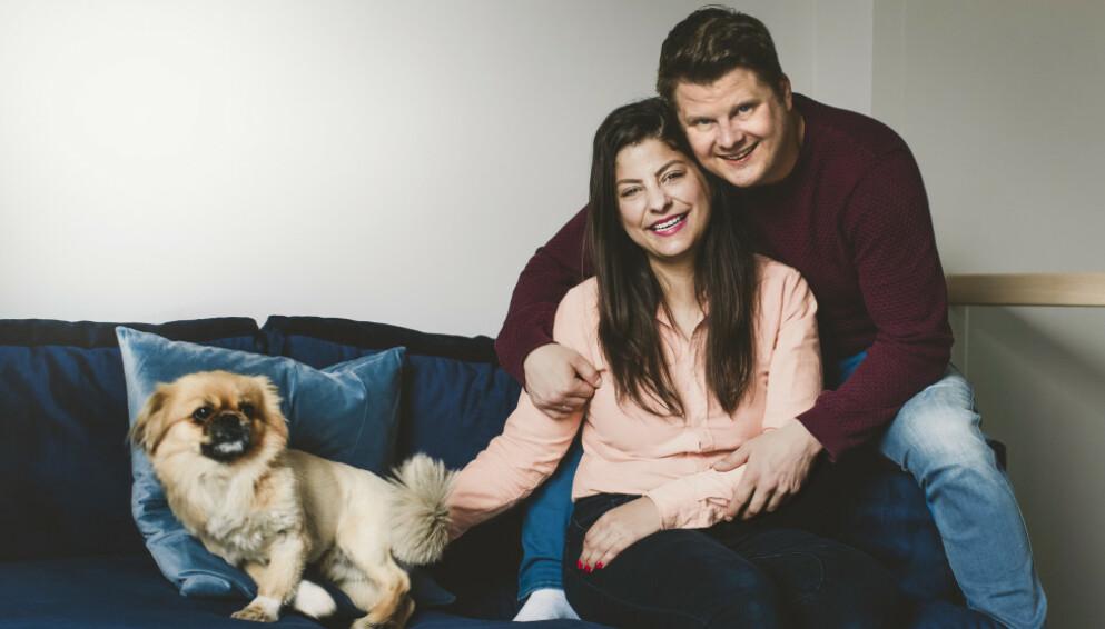 KEISERSNITT: I 2019 ble Sara Jansson og Joakim Aleksander Mäkipera foreldre til en liten jente. De fant hverandre etter å ha deltatt i programmet «Gift ved første blikk» året før datteren kom til verden. FOTO: Astrid Waller