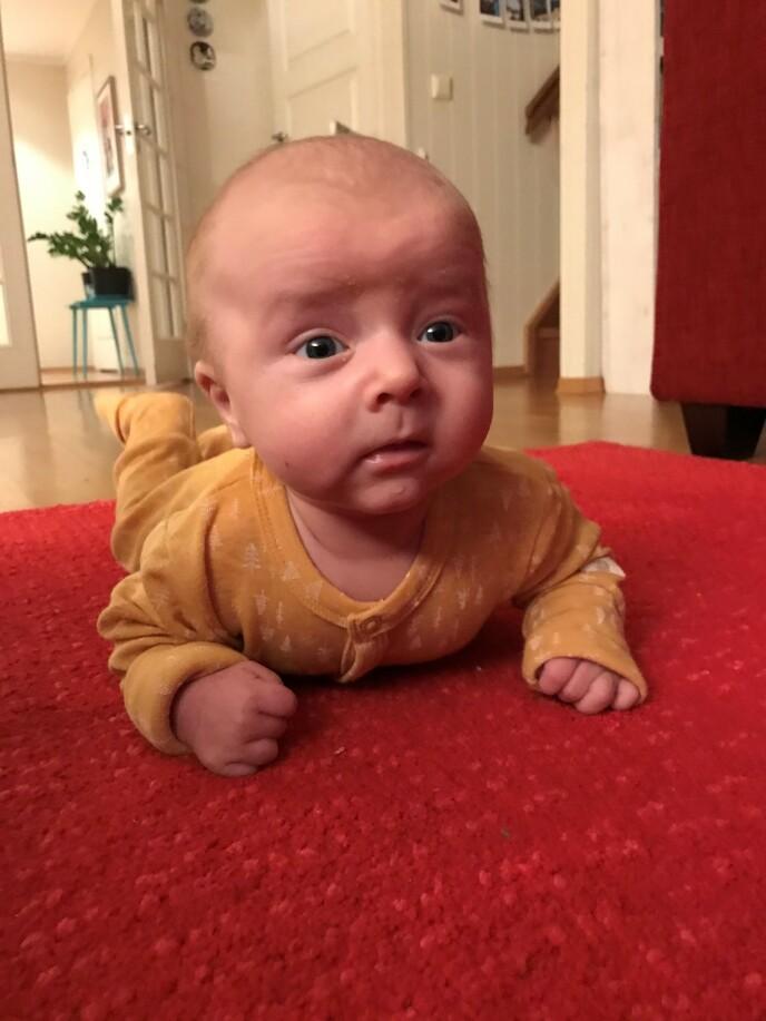 MER KJÆRLIGHET: - En baby øker mengden kjærlighet i en familie, sier Sanna. FOTO: Privat
