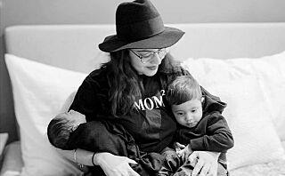 - Nybakte mødre sitter isolerte hjemme