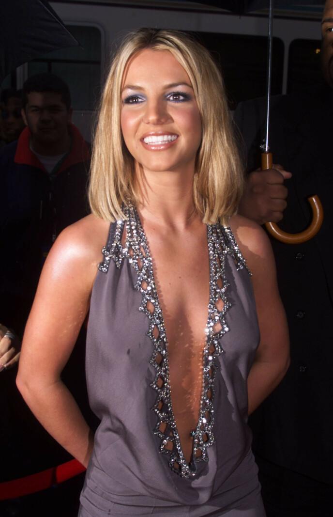SEKSUALITET: Britney Spears ble ofte konfrontert med egen seksualitet i media, og forsøkte etter hvert å ta eierskap over nettopp dette. Bildet er fra 2000. FOTO: NTB