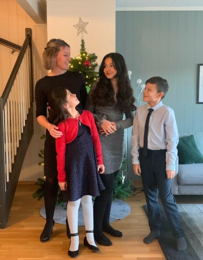 DEN SISTE JULEN: Dette bildet ble tatt i julen 2020, og ble den siste familien Gjerdrum noen gang fikk feire i leiligheten i Nystulia. FOTO: Privat