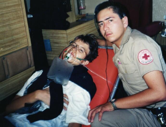 AMBULANSE: Inger Karin fikk store smerter og akutt pustebesvær, og måtte til sykehus med ambulanse i Mexico. Der fikk hun antibiotika intravenøst som behandling for store betennelser i begge lungene. FOTO: Privat