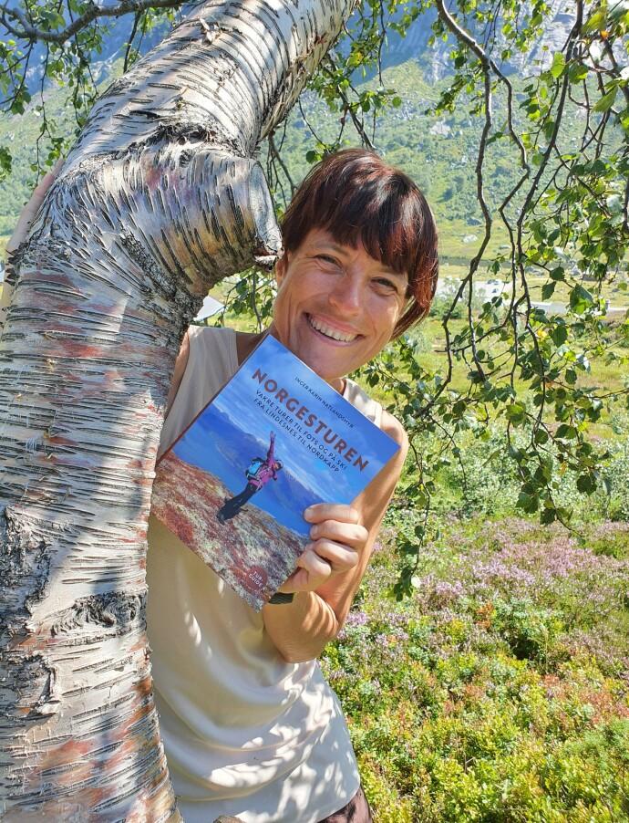 SKREVET BOK: – Nå kan jeg svare at jeg er forfatter når noen spør meg hva jeg jobber med, sier Inger Karin, og forteller at hun har kjent på følelsen av sorg og utilstrekkelighet i møte med nye mennesker og samfunnets krav om vellykkethet og karriere. FOTO: Privat