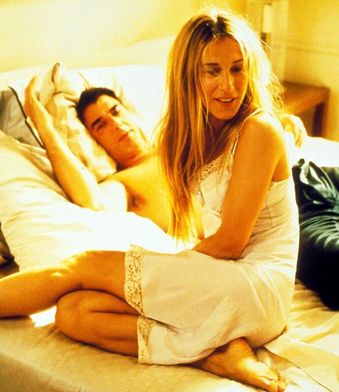 THE ONE?: Carrie og Mr. Big giftet seg etter mange år med av-og-på-forhold. Nå gjenstår det å se om kjærligheten varer livet ut, eller om døden skiller dem ad. FOTO: NTB
