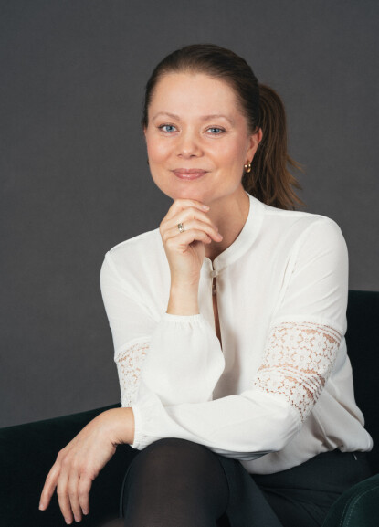 EKSPERT: Kristina S. Moberg forteller at det er flere grunner til at det er vanskeligere å få nye venner som voksen enn i barndommen. FOTO: Bjørnar Strømsholm