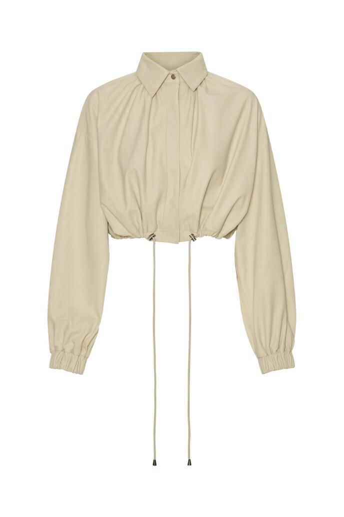 Kort jakke (kr 5200, Remain by Birger Christensen).