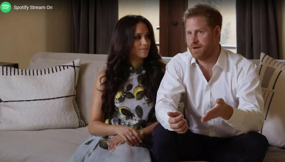 MEGHAN GRAVID: Hertuginne Meghan venter sitt andre barn med ektemannen prins Harry. Her dukket de opp på sitt første arrangement - dog digitalt - etter at gravidnyheten ble kjent. FOTO: Spotify // Gjengitt med tillatelse