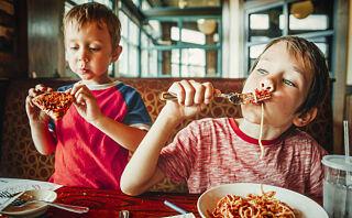 Slik kan barnet ditt få positive følelser rundt mat