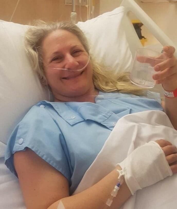 SMILER LIKEVEL: Trudy har tilbragt mange timer på sykehuset. Foto: Privat