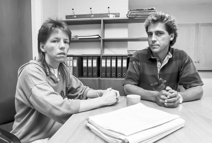 BLE INFORMERT: Inger-Lise blir her orientert om status av etterforskningsleder Bjørn Haneborg i Kripos. Det skjedde et par måneder etter forsvinningen i 1988.