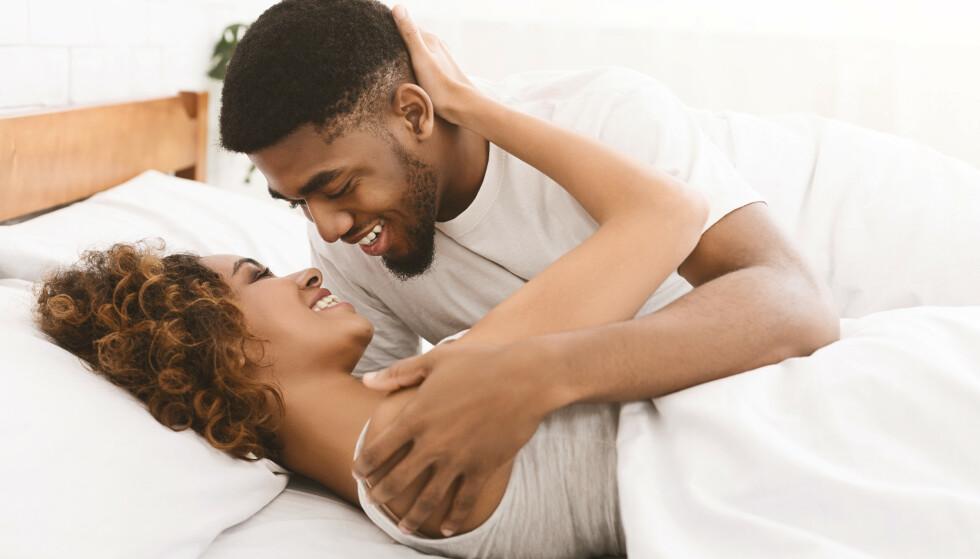 SENK FORVENTNINGENE: Dét kan redusere prestasjonspresset og gjøre dere mer åpne for seksuell lek. FOTO: NTB