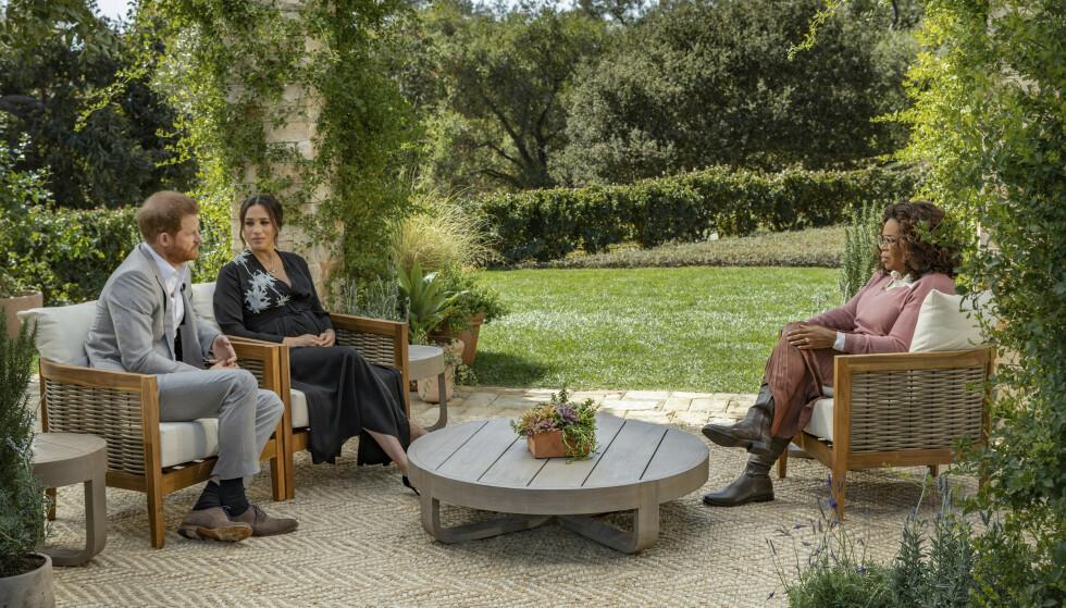 ÅPNER OPP: Prins Harry og hertuginne Meghan skal i et to timer langt intervju med Oprah fortelle om den tøffe tiden de siste årene. Foto: NTB/Joe Pugliese/Harpo Productions via AP