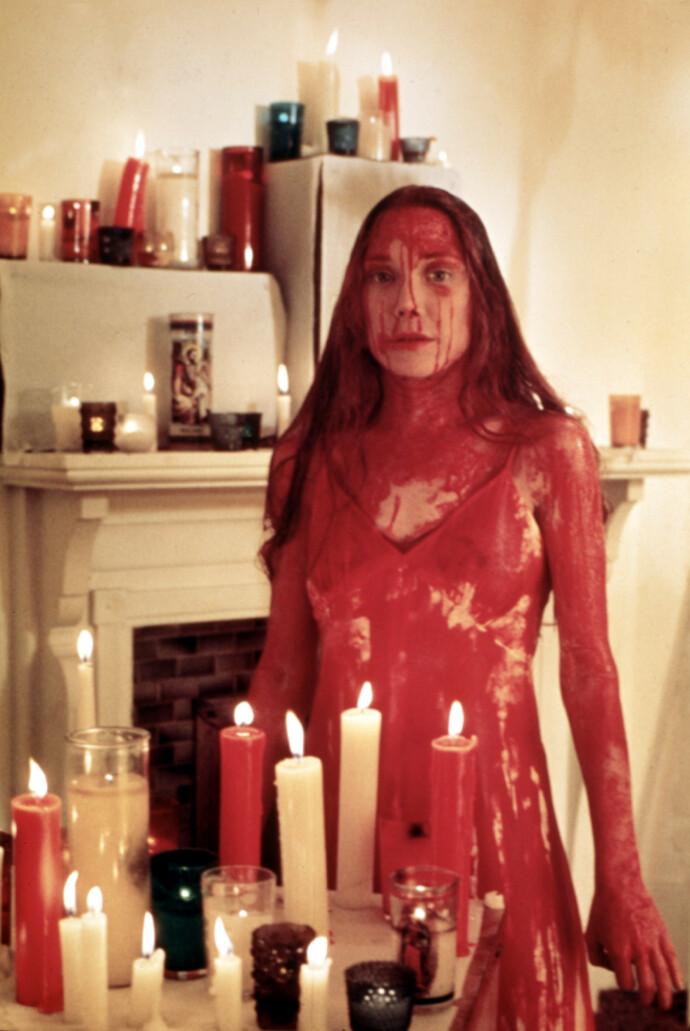 BLODIG ALVOR: Sissy Spacek i filmen «Carrie» i 1976. FOTO: REX/NTB
