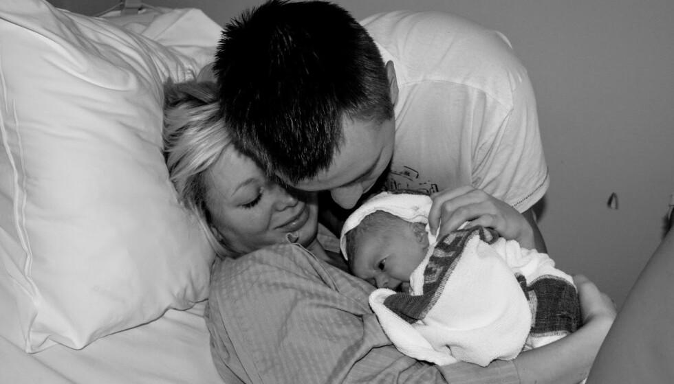 HYPEREMESIS GRAVIDARUM: Etter et fullgått svangerskap med invalidiserende kvalme, kunne Marie Christin og Raymond endelig få holde datteren sin. FOTO: Privat